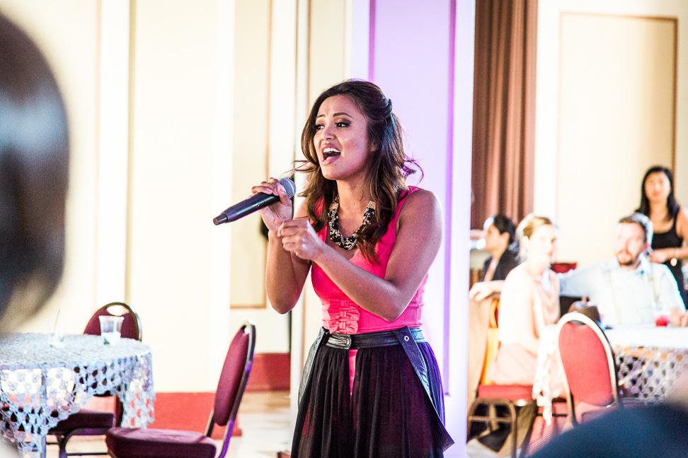 vancouver-singer-fundraiser-wedding
